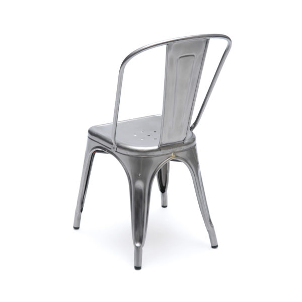 Chaise A brut vernis
